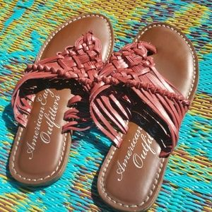 Excellence used condition sandals